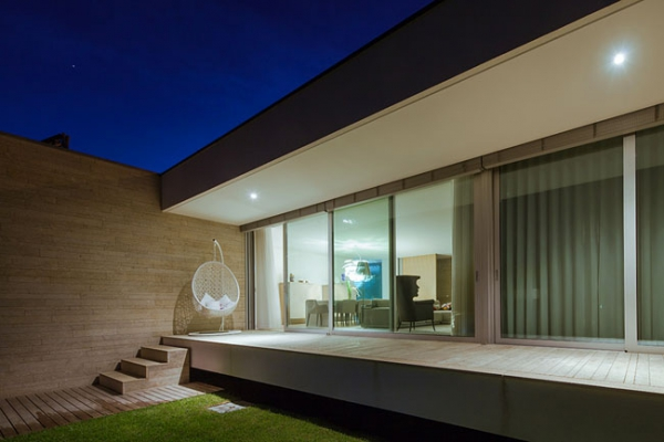 single-storey-house-in-portugal-will-blow-your-mind-18