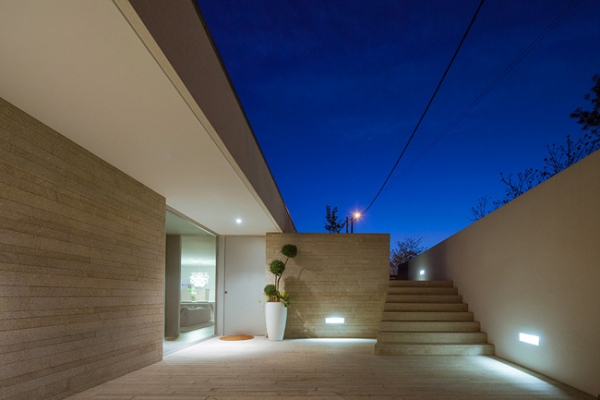 single-storey-house-in-portugal-will-blow-your-mind-20