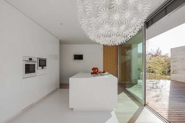 single-storey-house-in-portugal-will-blow-your-mind-4