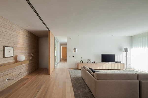 single-storey-house-in-portugal-will-blow-your-mind-8