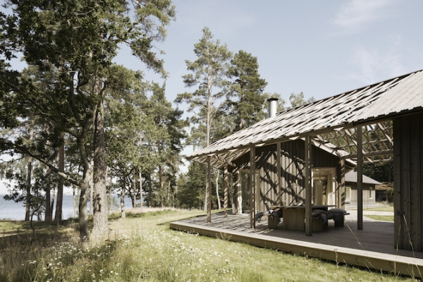 Single volume house in the woods  (3)