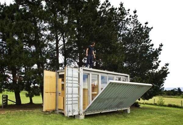 sleek-and-beautiful-a-container-home-2