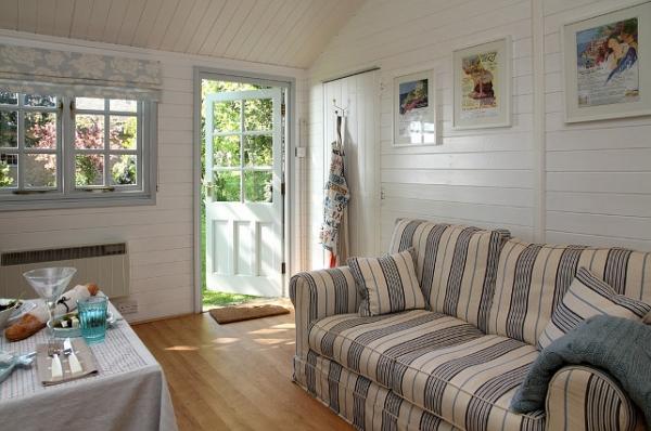 small-beach-house-5