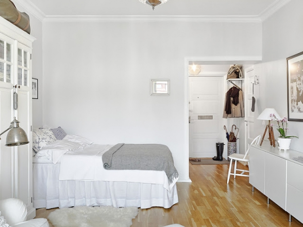 small-white-apartment-10