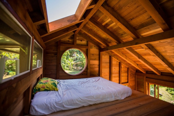 Small wooden cabin that is big on style (6)