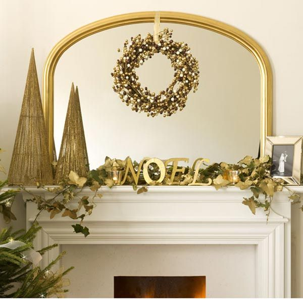 Sophisticated christmas d cor in gold adorable home Home decor gold