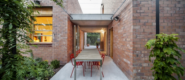 Spanish brick house 1101 (16)