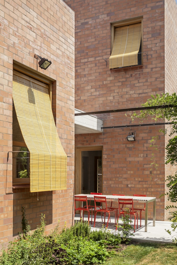 Spanish brick house 1101 (3)