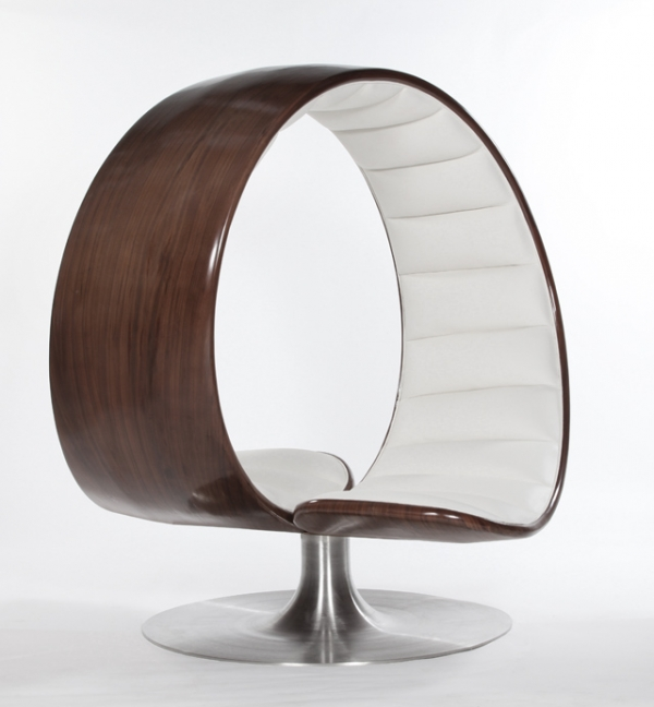 spending-quality-time-with-loved-ones-in-the-hug-chair-1