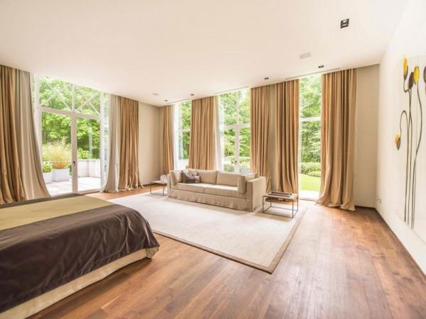 Stunning and modernly elegant apartment interior  (2)