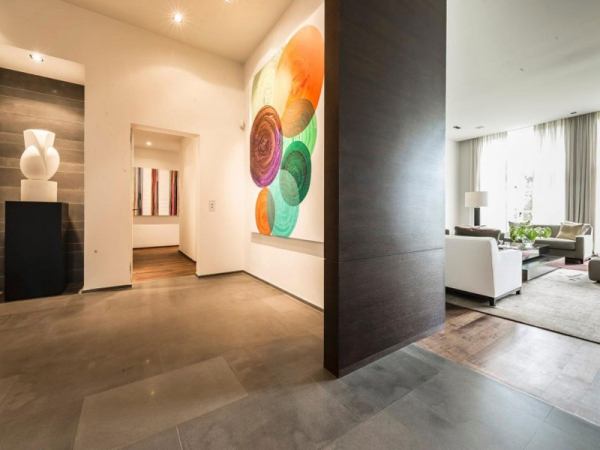 Stunning and modernly elegant apartment interior (5)