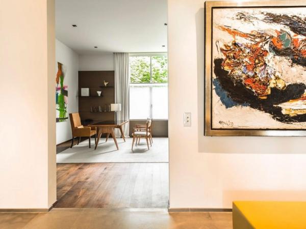 Stunning and modernly elegant apartment interior (6)