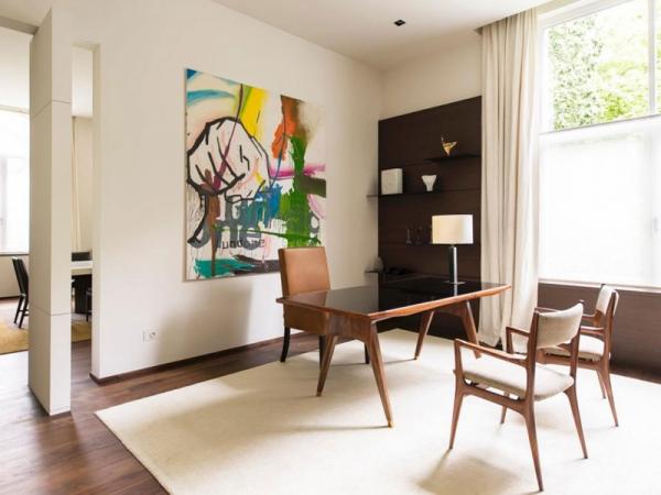 Stunning and modernly elegant apartment interior (7)