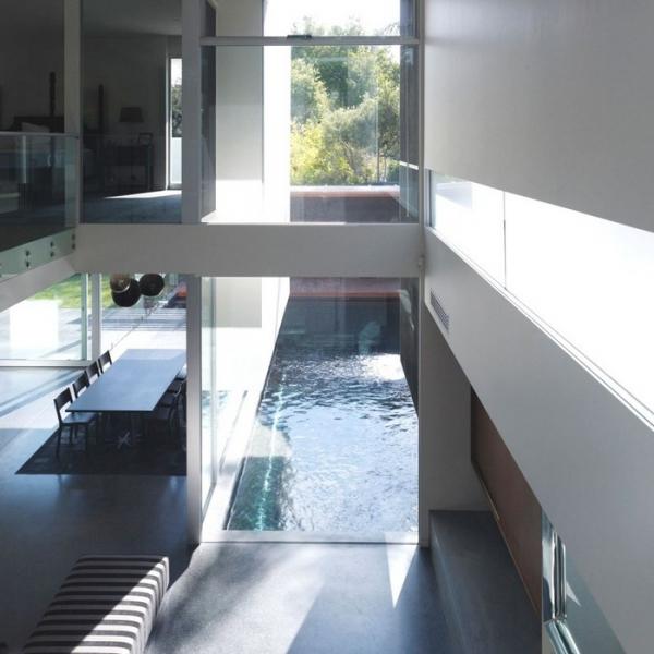 Australian Contemporary Minimalist House