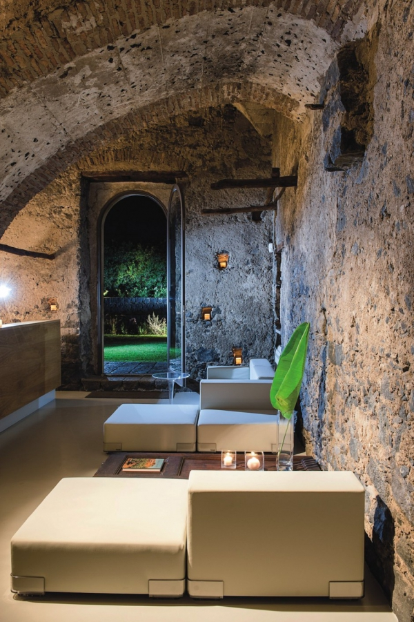 stunning-boutique-hotel-in-italy-12