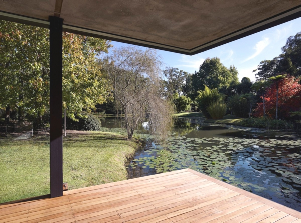 Stunning glass pavilion offers perfect mini spa retreat (10)