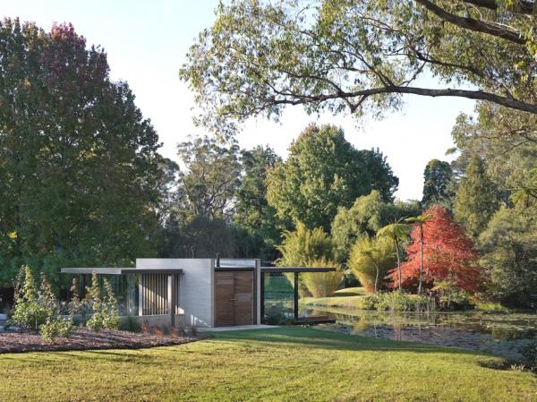 Stunning glass pavilion offers perfect mini spa retreat (3)