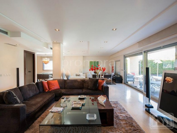 Stunning Madrid villa perfect for the family (1)