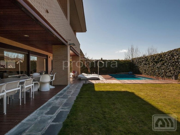 Stunning Madrid villa perfect for the family (18)