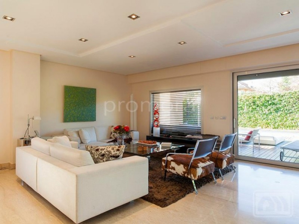 Stunning Madrid villa perfect for the family (4)