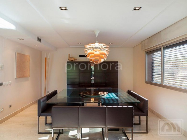 Stunning Madrid villa perfect for the family (5)