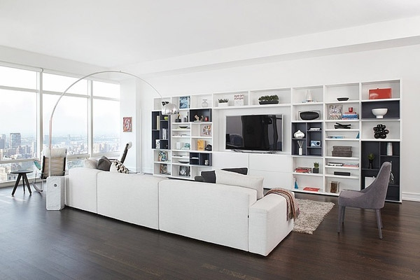 Stunning modern condo rises high above Central park             (1)