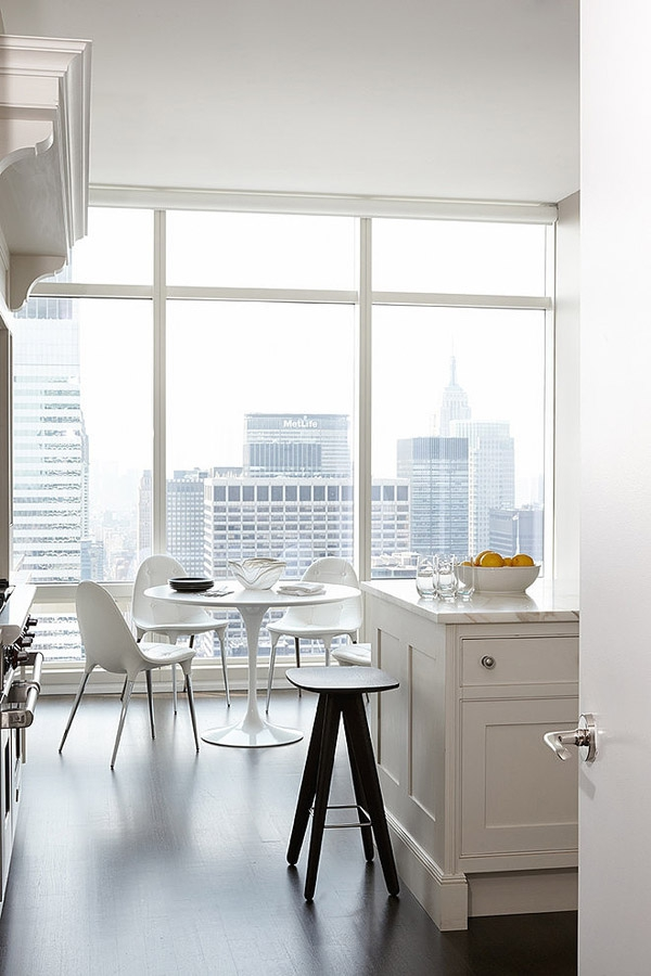 Stunning modern condo rises high above Central park             (7)