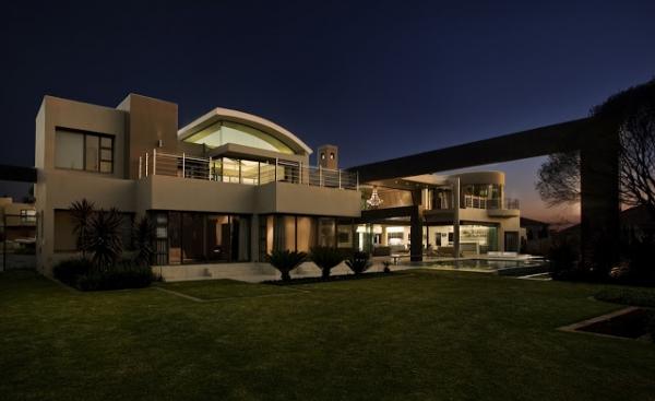 stunning-modern-mansion-1