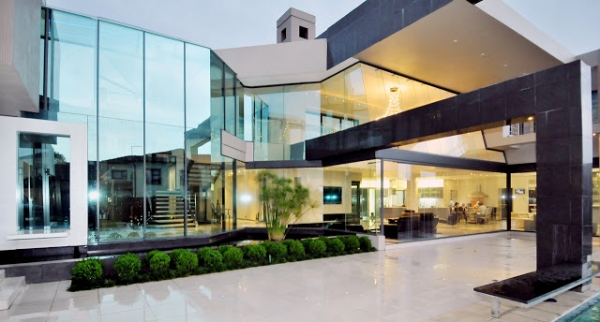 stunning modern mansion 14