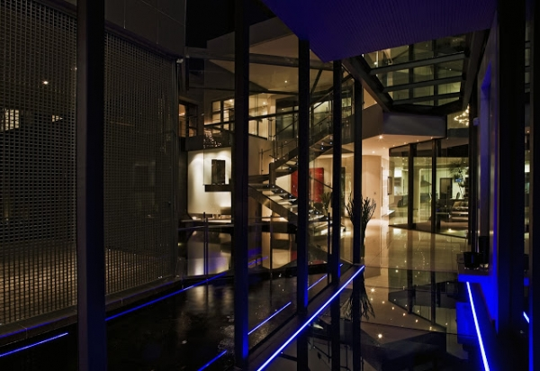 stunning-modern-mansion-7