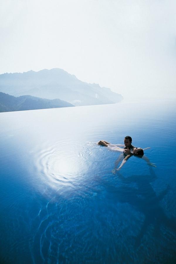stunning swimming pools 11