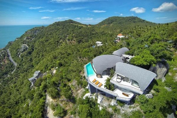 Stunning villa on top of the world (2)