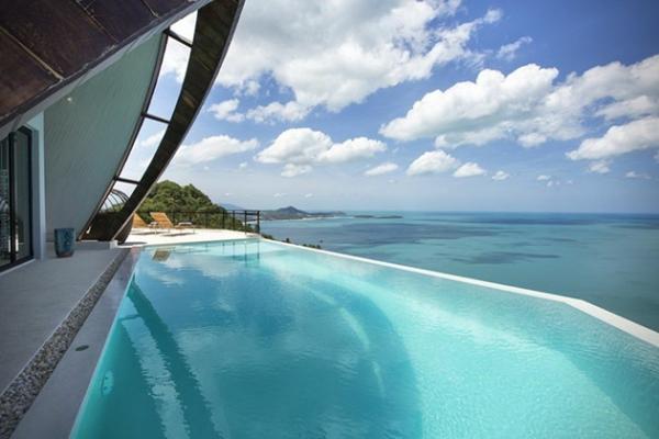 Stunning villa on top of the world (4)