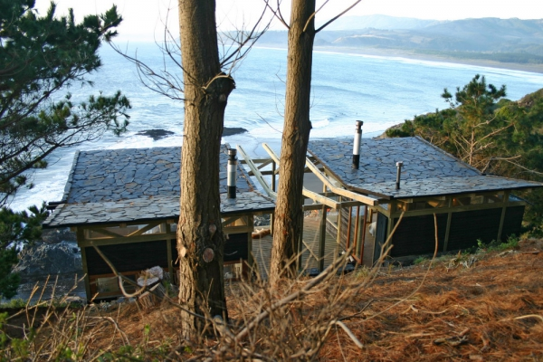 stunning-wood-cabin-with-a-view-to-die-for-10