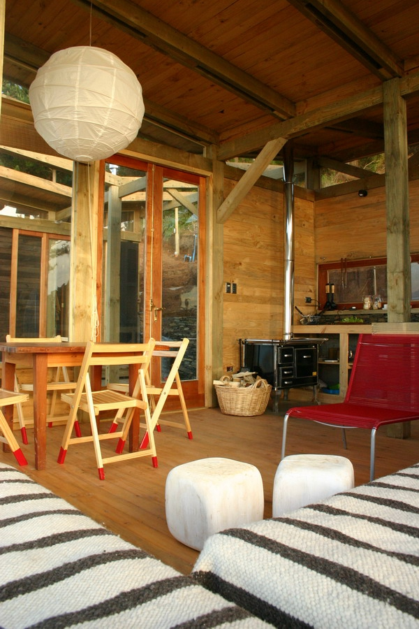 stunning-wood-cabin-with-a-view-to-die-for-9