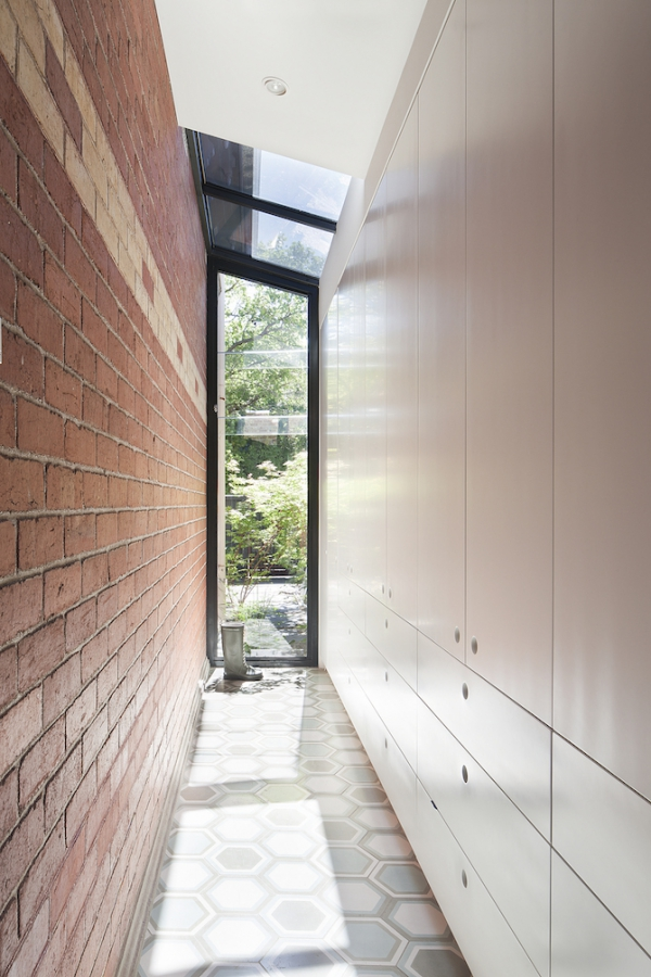Sturdy Red Brick Walls In Australia Adorable Home