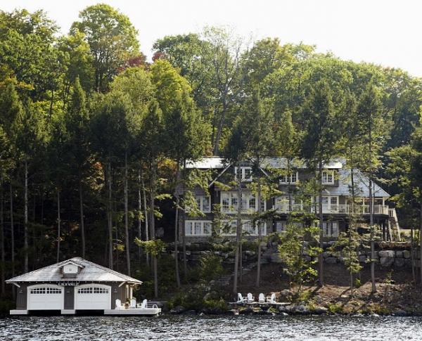 stylish-and-impressive-lake-cottage-1