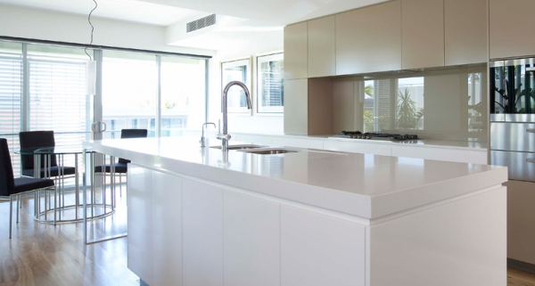 Stylish quartz kitchen countertops (4)