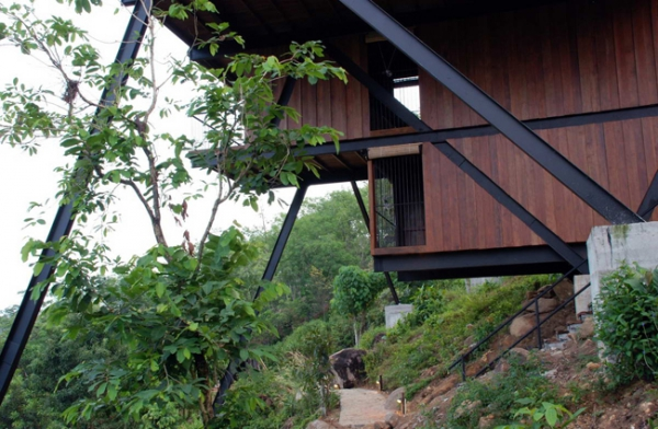 suspended-house-in-the-mountains-6