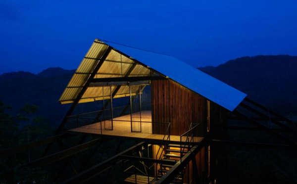 suspended-house-in-the-mountains-8