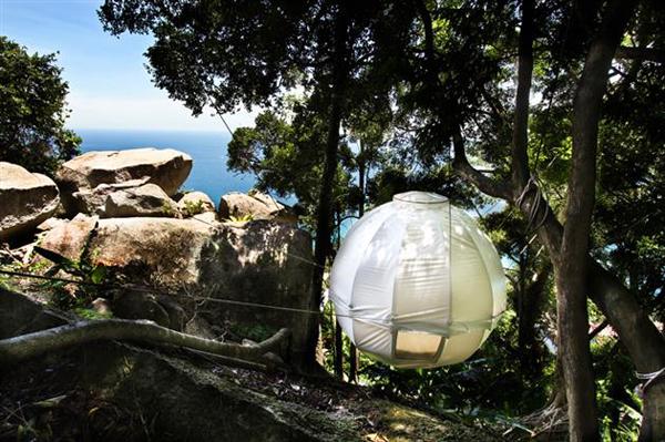 the-amazing-cocoon-tree-tent-2