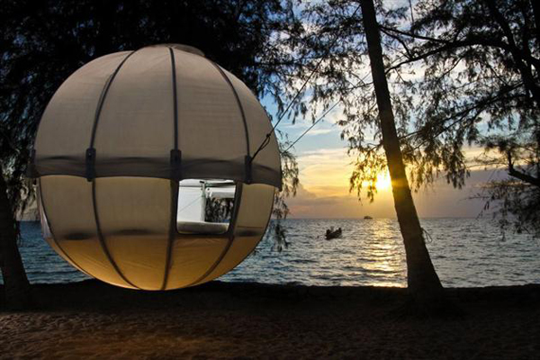the-amazing-cocoon-tree-tent-6