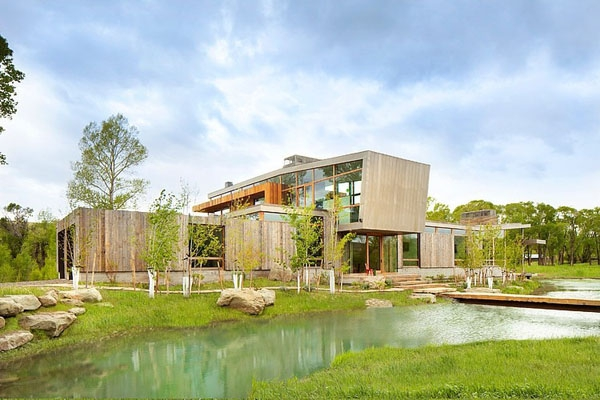 The big timber riverside ranch house  (1)