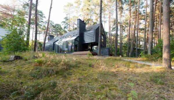 The Black House Blues village house (10).jpg