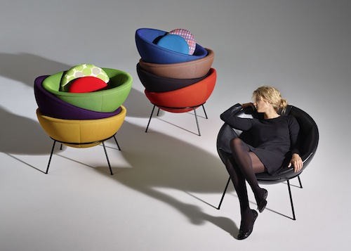 bowl-chair-by-lina-bo-bardi-reissued-by-arper_dezeen_ss_22