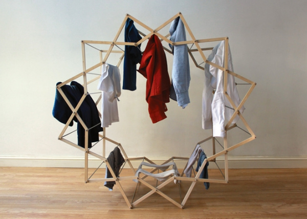 The Clothes Horse star shaped drying rack (1)