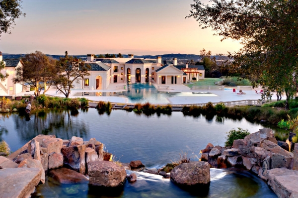 the-incredibly-expensive-bradbury-estate-in-california-1