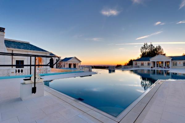 the-incredibly-expensive-bradbury-estate-in-california-3