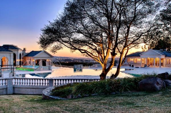 the-incredibly-expensive-bradbury-estate-in-california-6