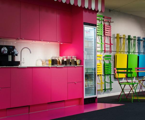 colorful office design (11).jpg